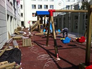 Ana okulu oyun sahası zemini